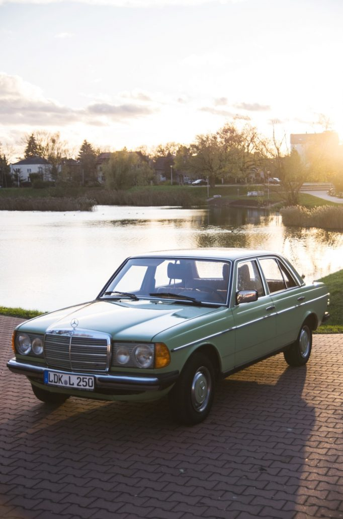 Ardor auctions 2 mercedes benz 250 1972 for Mercedes benz car auctions