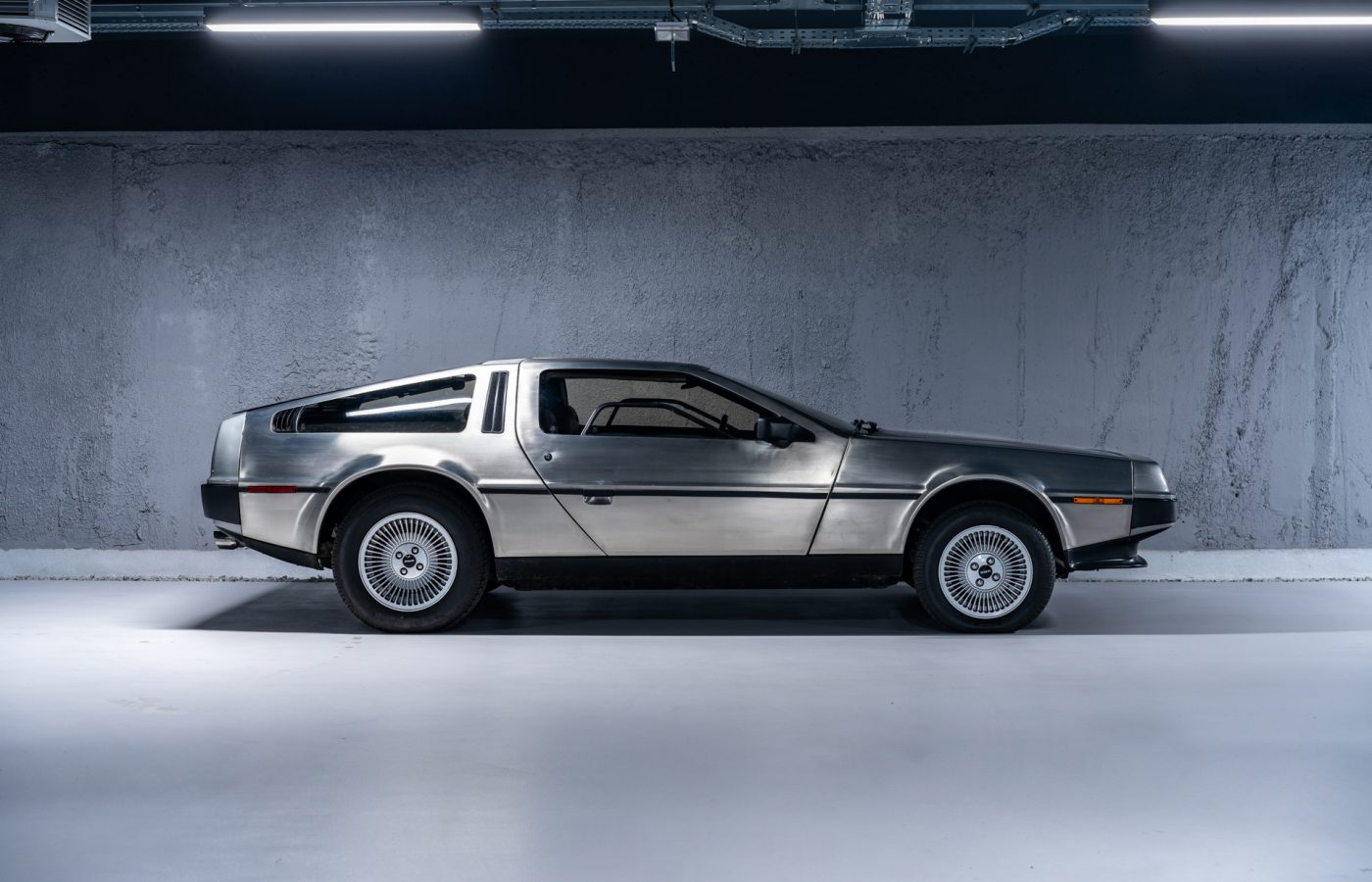 DeLorean DMC-13